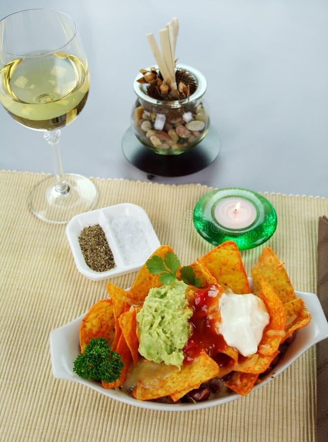 Download Nachos vegetarianos imagen de archivo. Imagen de vela - 7281781