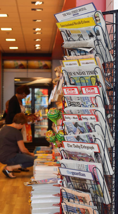 Nachrichten-Standplatz lizenzfreies stockbild