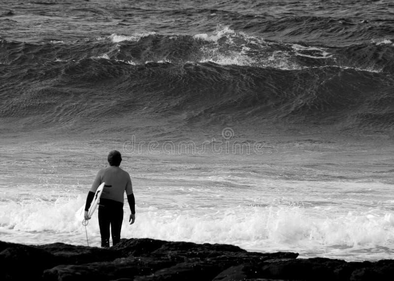 Download Nachsinnen über Des Sprunges Stockfoto - Bild von strand, lokalisierung: 858860
