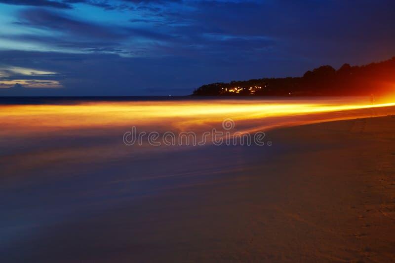 Nacht auf dem Strand stockbild