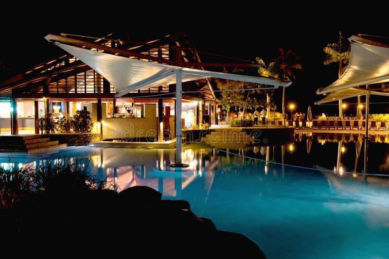 Nacht bij Toevlucht Radisson in Fiji stock foto