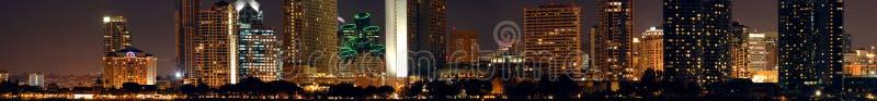 Nacht de van de binnenstad van San Diego stock foto's