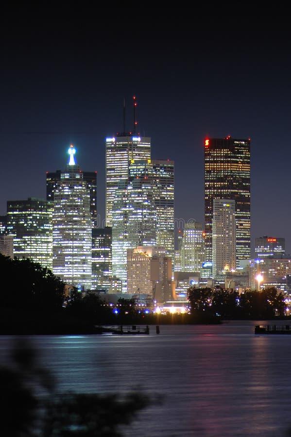 Nacht in der Stadt stockfotos