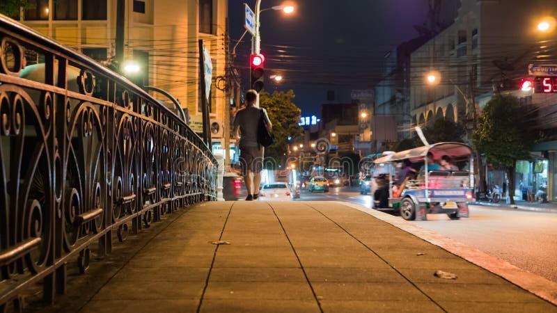 Nacht die in Bangkok, Thailand lopen royalty-vrije stock afbeeldingen