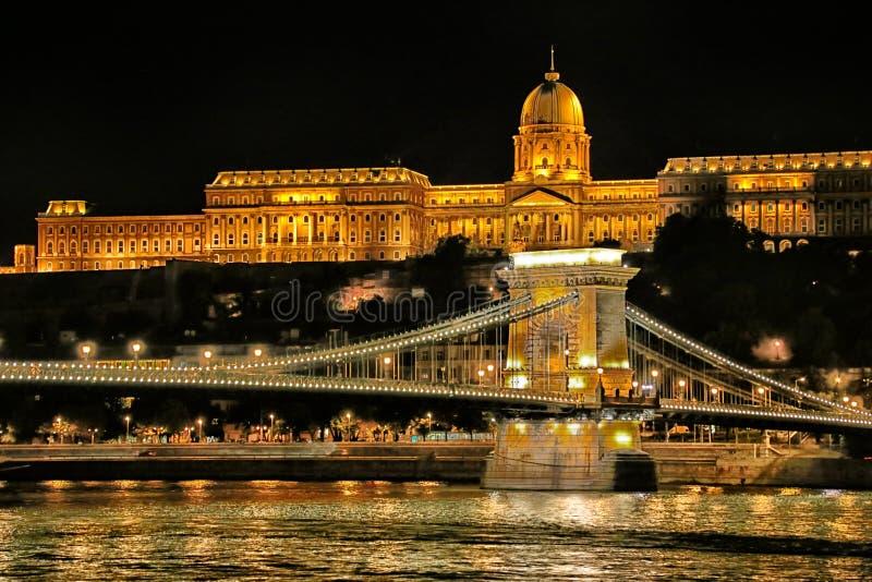 Nacht-Donau-Ansicht in Budapest stockbilder