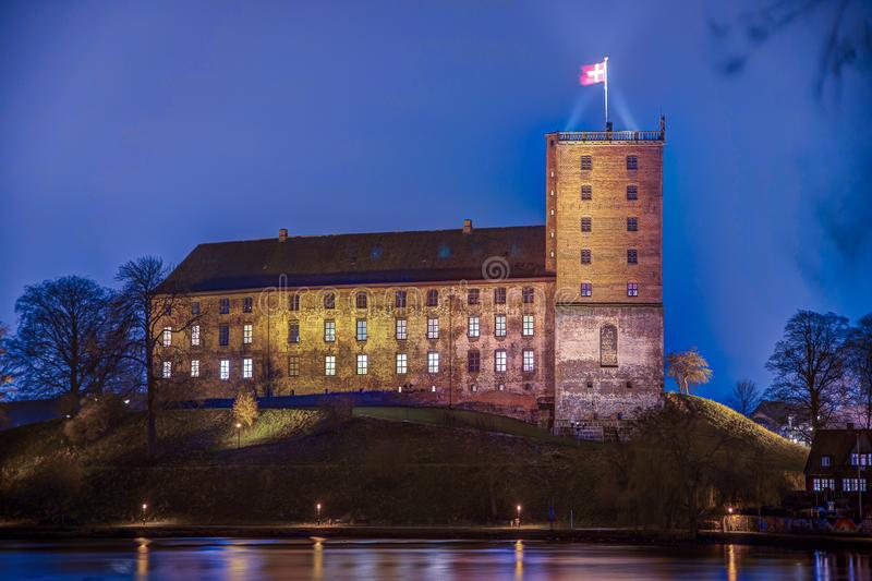 Nacht-HDR-Foto von Koldinghus ein altes Schloss in Kolding Dänemark lizenzfreie stockbilder