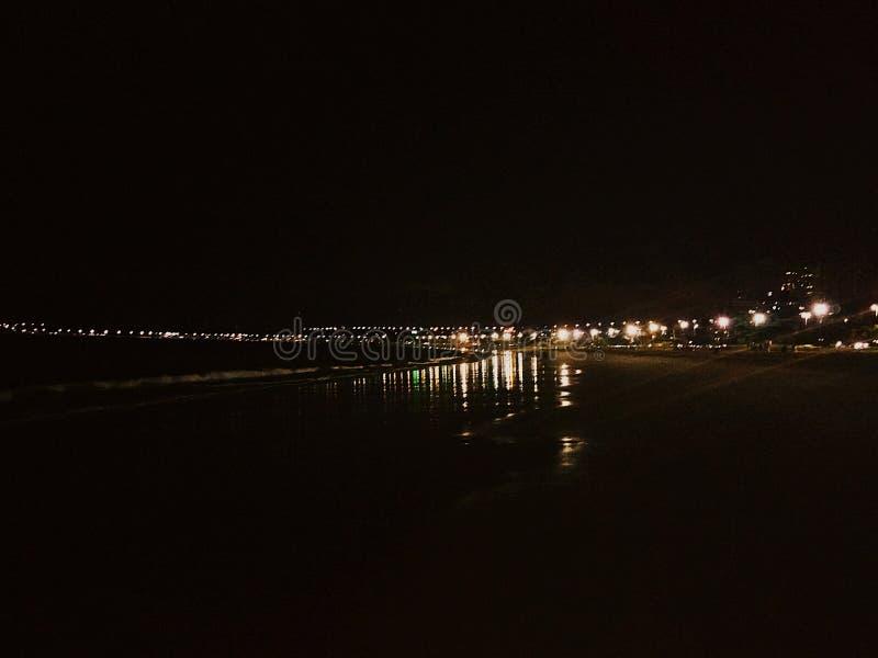 Nacht in het strand stock afbeelding
