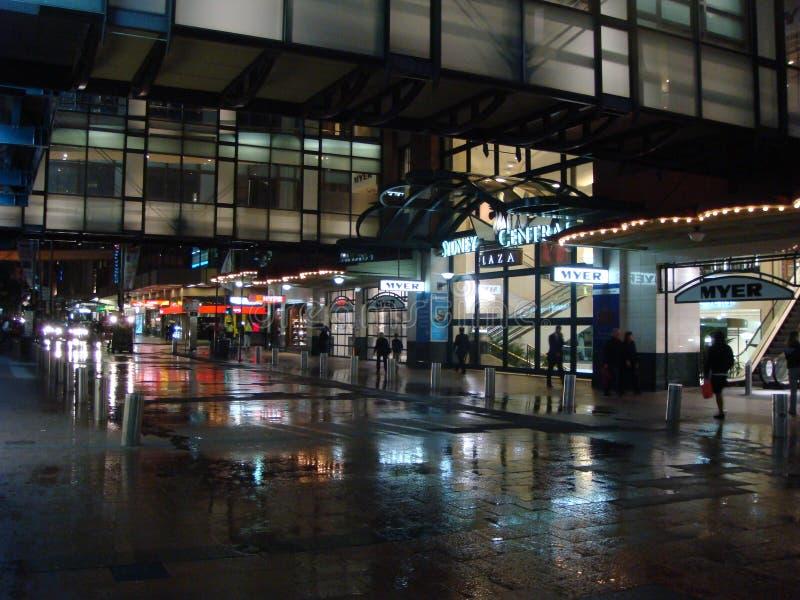 Nacht het winkelen scène, Sydney royalty-vrije stock foto