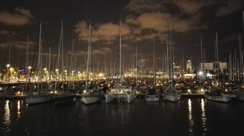Nacht im Kanal lizenzfreies stockfoto