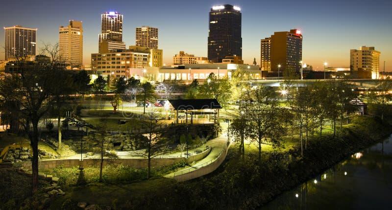 Nacht in Little Rock lizenzfreie stockfotos