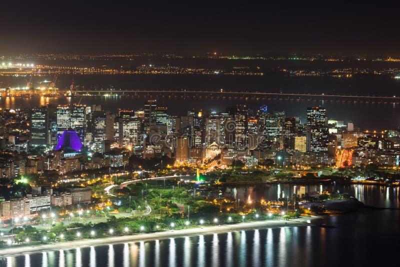 Nacht luchtmening van Centro, Lapa, Flamengo en ?athedral. Rio de Janeiro stock afbeelding