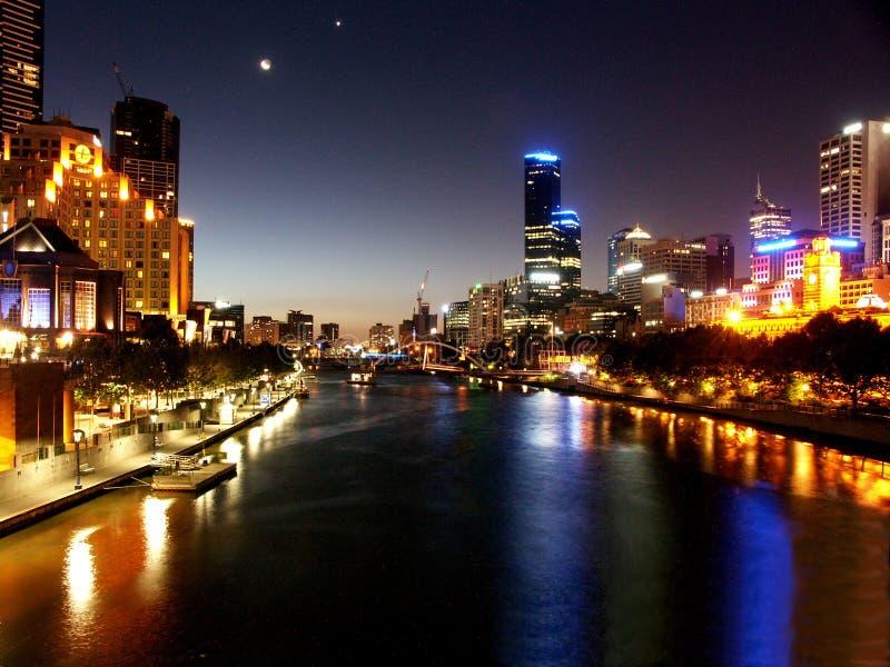 Nacht in Melbourne lizenzfreie stockfotografie