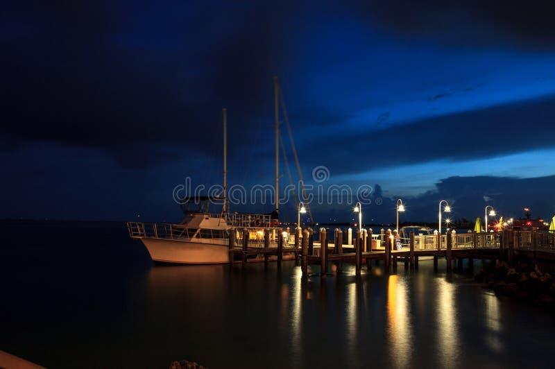 Nacht Oceaanmening van het dok in Hyatt Centric Key West royalty-vrije stock afbeeldingen