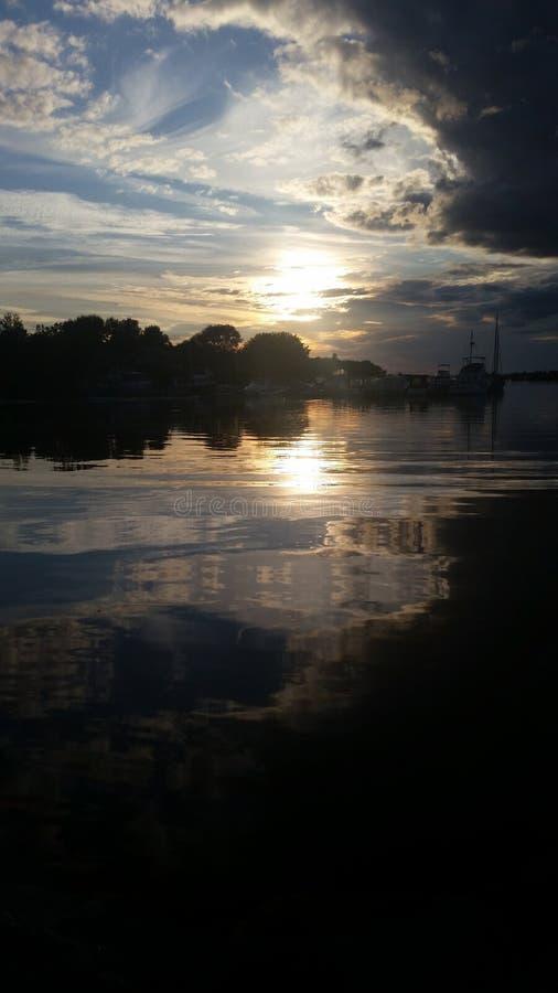 Nacht op de meren royalty-vrije stock afbeelding