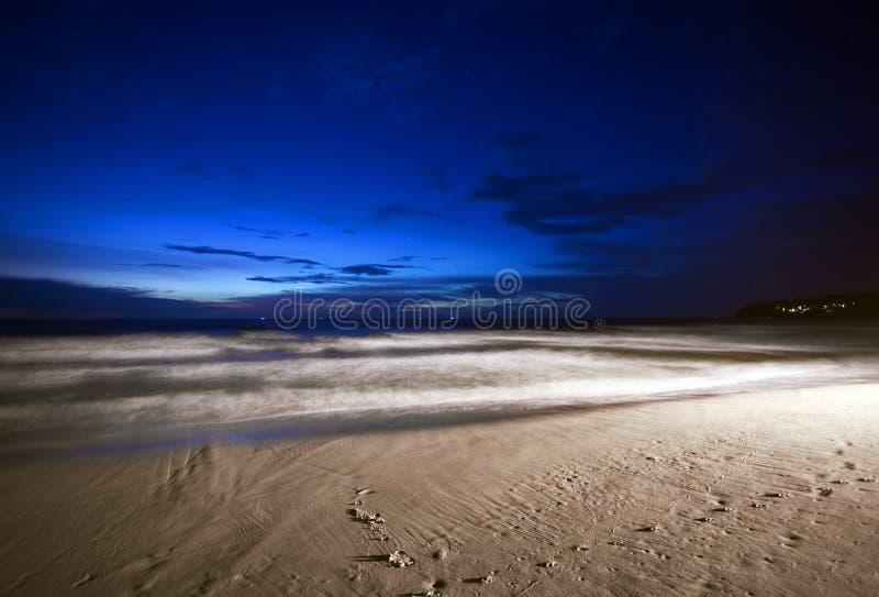 Nacht op het strand stock afbeeldingen