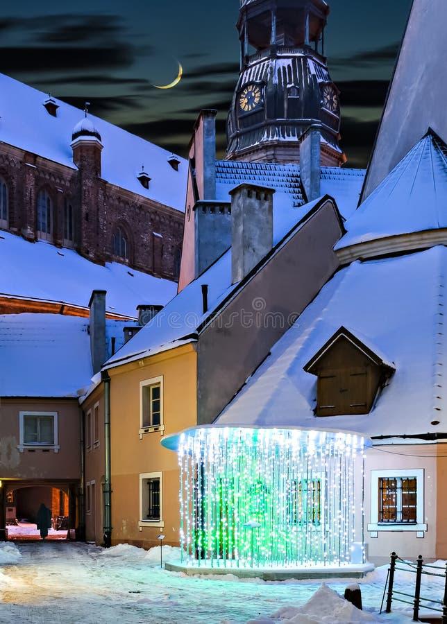 Nacht in oude Europese stad royalty-vrije stock fotografie
