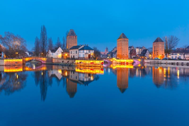 Nacht Petite France in Straßburg, Elsass lizenzfreie stockfotografie