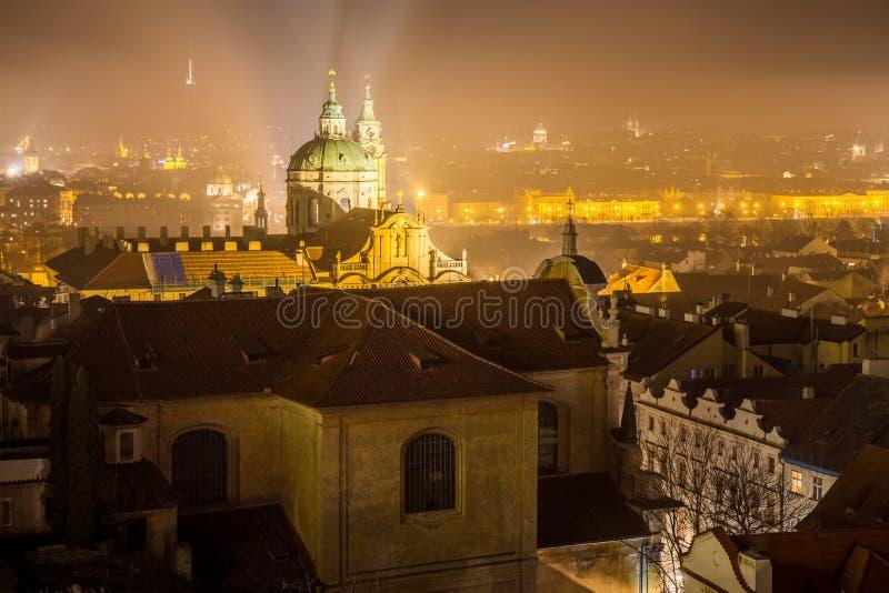 Nacht Prag royalty-vrije stock foto's