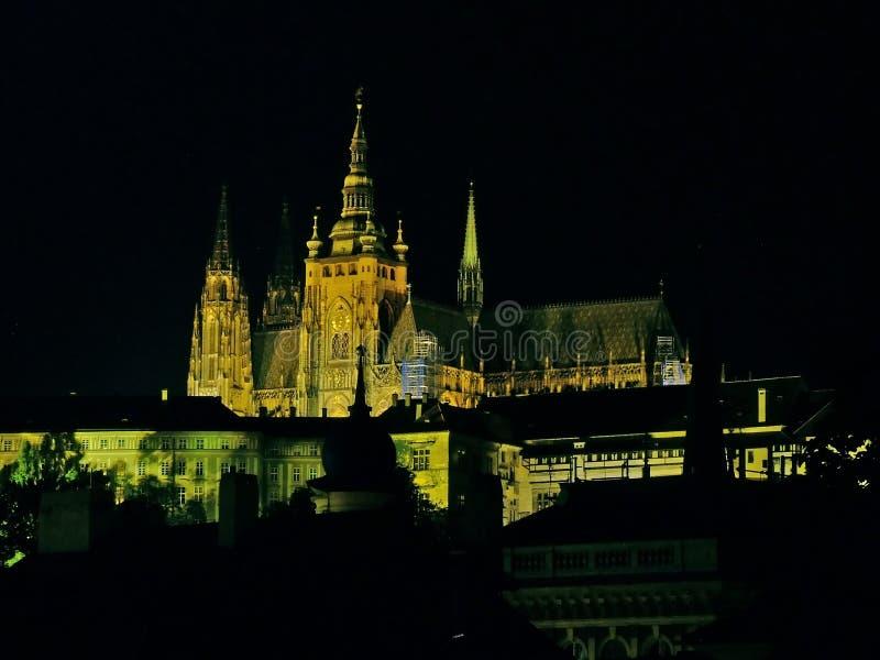 Nacht Prag stockbilder