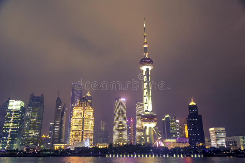 Nacht in Shanghai lizenzfreies stockbild