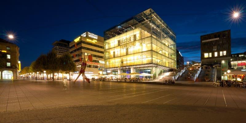 Nacht Stuttgart lizenzfreies stockbild