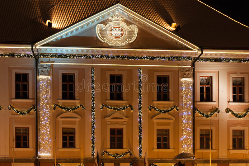 Nacht Tartu Estland Rathaus stockfotografie