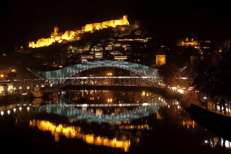 Nacht Tiflis lizenzfreies stockfoto