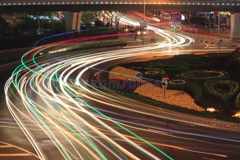 Nacht van de weg de lichte slepen van de stad in Shanghai royalty-vrije stock fotografie