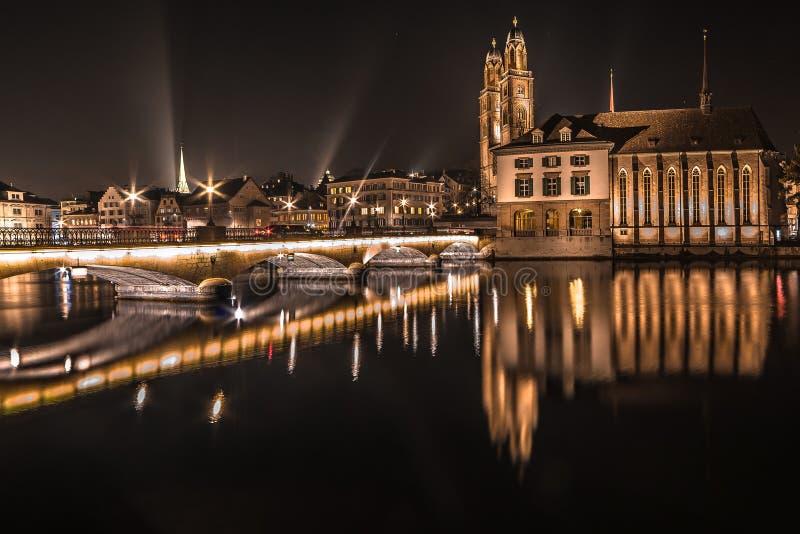 Nacht Zürich royalty-vrije stock foto's