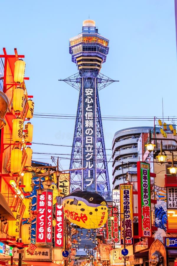 Nachtansicht der Neonanzeigen Shinsekai lizenzfreie stockbilder