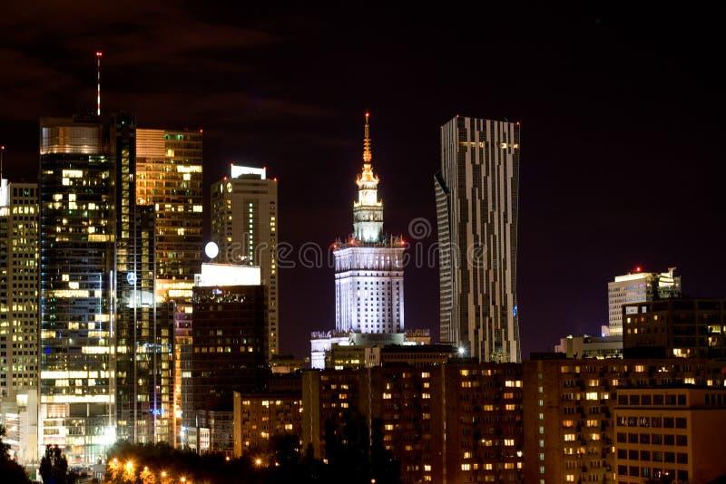 Nachtansicht der Stadt, Warschau lizenzfreie stockbilder