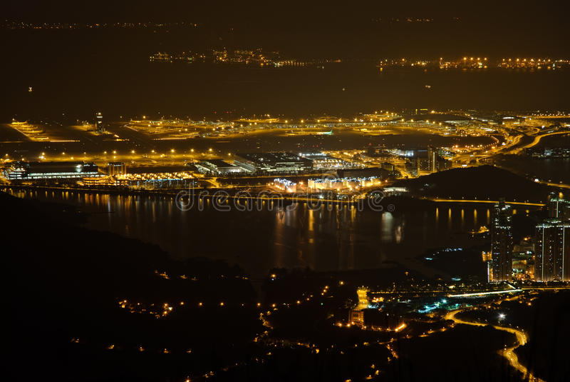 Nachtansicht des Hong- Konginternationalen Flughafens lizenzfreies stockfoto
