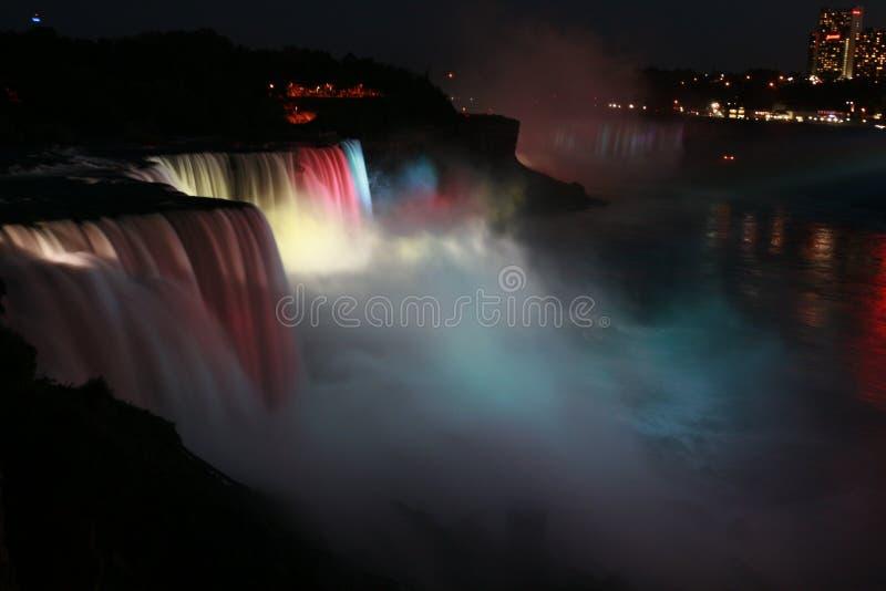 Nachtansicht des Niagara-Wasserfalles stockfotografie