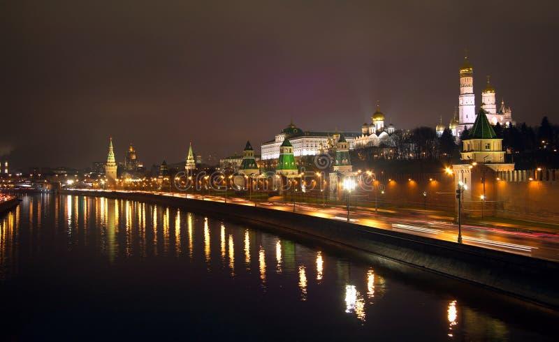 Nachtansicht Moskaus der Kreml lizenzfreie stockfotos