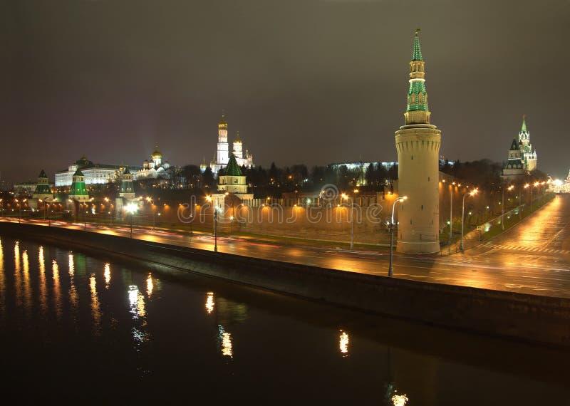 Nachtansicht Moskaus der Kreml lizenzfreies stockfoto
