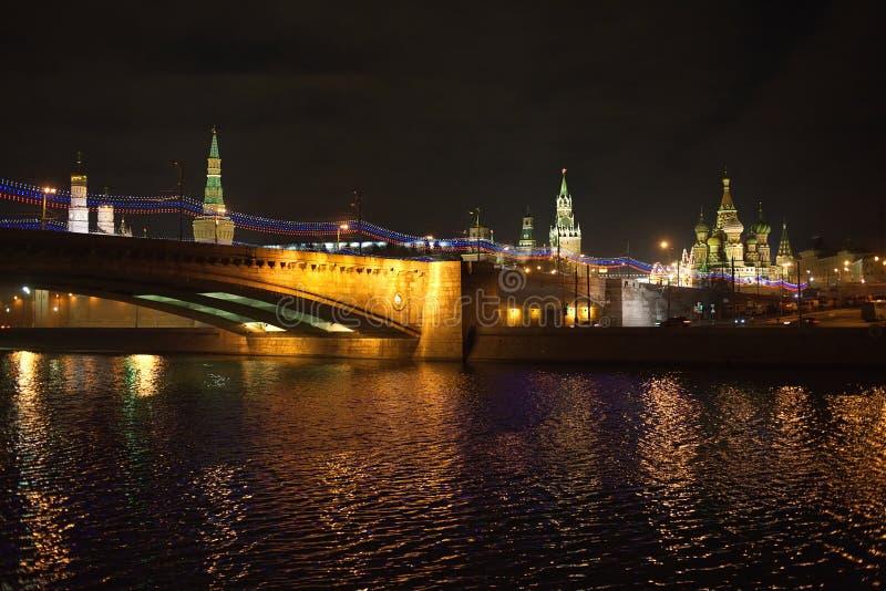 Nachtansicht Moskaus der Kreml stockbild