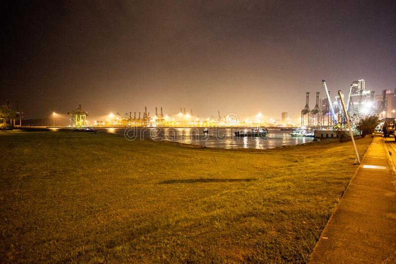 Nachtansicht Singapur lizenzfreie stockfotos