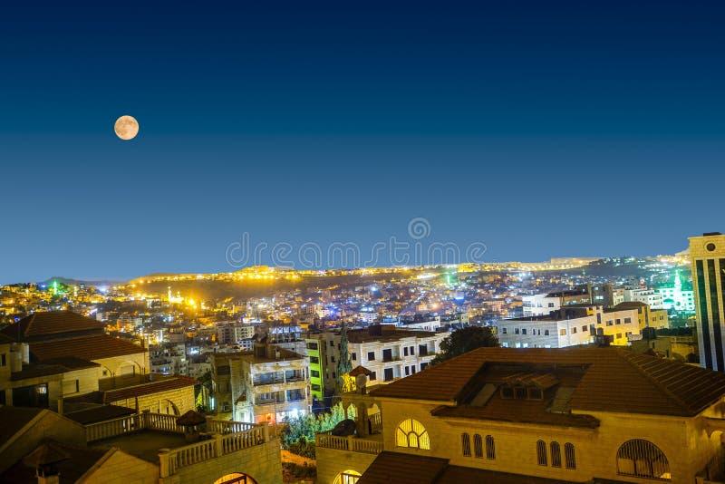 Nachtansicht von Bethlehem, Palästina lizenzfreie stockfotos