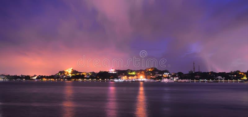 Nachtansicht von Kulangsu stockfotos