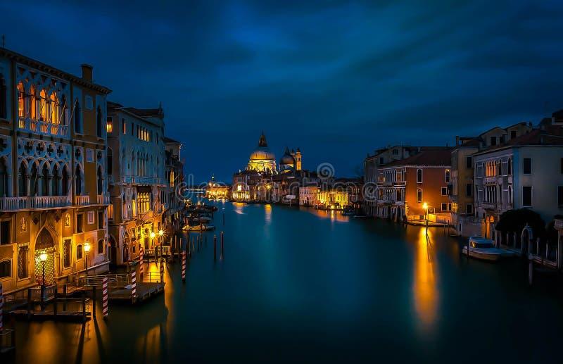 Nachtansicht von Venedig, Italien lizenzfreie stockbilder