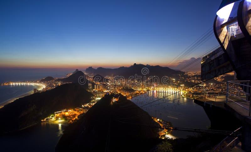 Nachtansichten von Rio de Janeiro Brasilien lizenzfreie stockfotografie