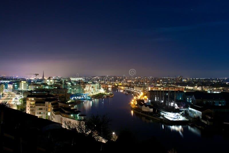 Nachtcityscape en Rivier royalty-vrije stock foto
