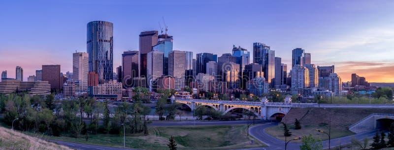 Nachtcityscape van Calgary, Canada royalty-vrije stock foto