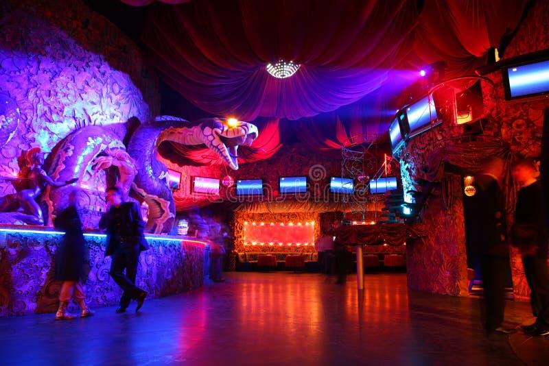 Nachtclubinnenraum stockfotos