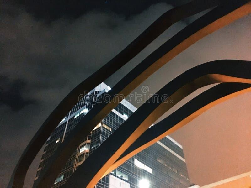 Nachtenlijnen in de stad royalty-vrije stock foto