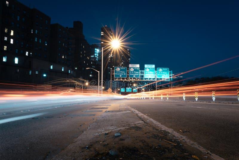 Nachtfahrt stockbild