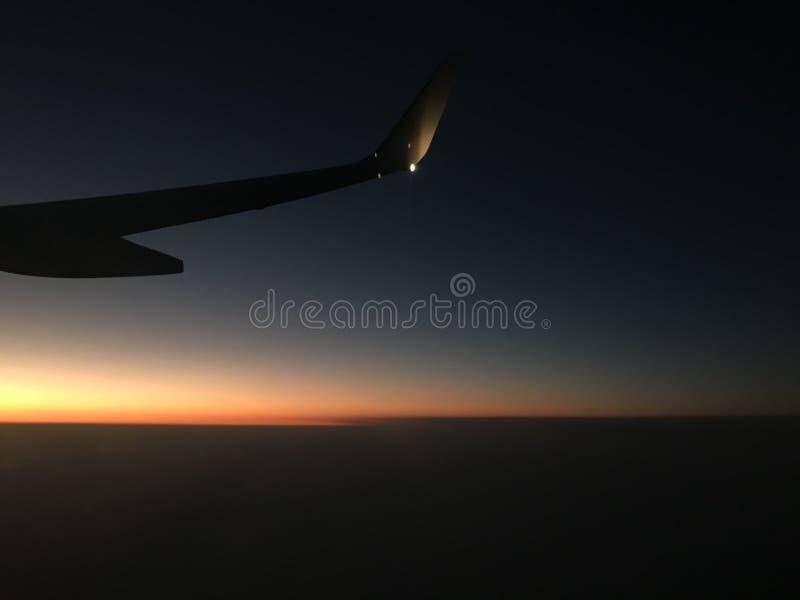 Nachtflugansicht Reise lizenzfreies stockbild