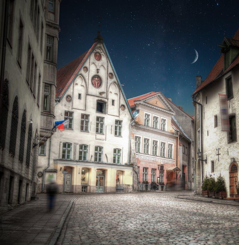 Nachtglänzender Mond und -sterne lizenzfreie stockfotos