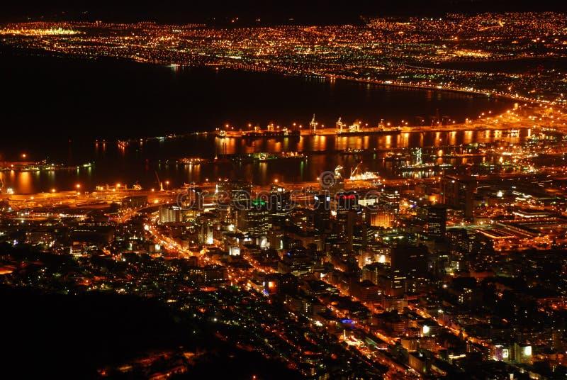 Nachthorizon van Cape Town stock afbeeldingen
