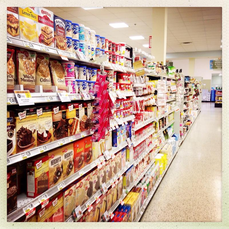 Nachtisch-Mischungen im Supermarkt-Gang lizenzfreie stockbilder